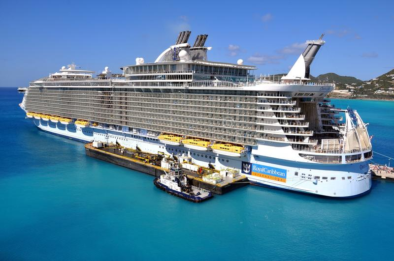 Oasis of the Seas. Fueling Oasis of the Seas, Royal Caribbean Cruise Lines, Philipsburg, St.Maartin stock image