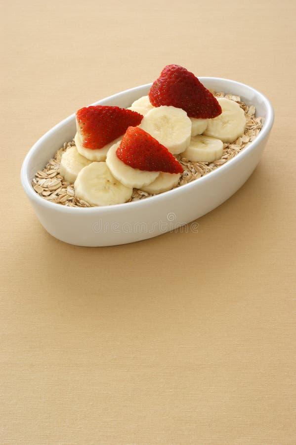 Oatmeal είναι καλή εναλλακτική λύση για μια υγιή ζωή στοκ εικόνα με δικαίωμα ελεύθερης χρήσης