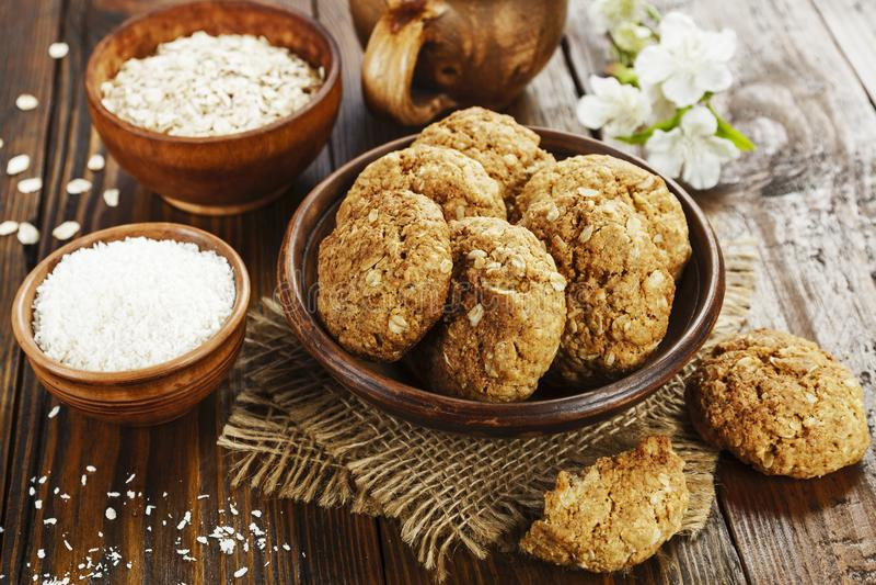 Oatmeal μπισκότα με την καρύδα στοκ εικόνα