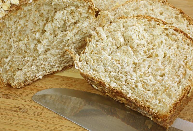 Download Oatmeal Bochenka Up Chlebowy Zakończenie Obraz Stock - Obraz złożonej z zakończenie, światło: 28956737