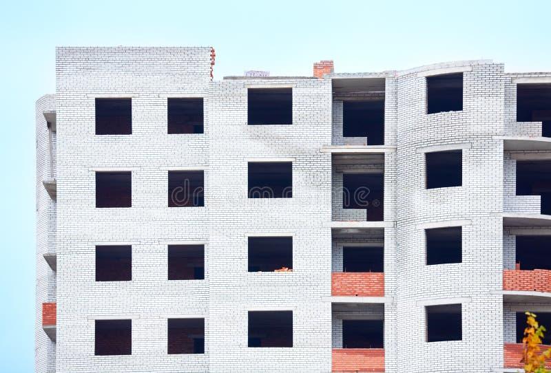 oavslutad sikt för byggnadsboningshus royaltyfria bilder