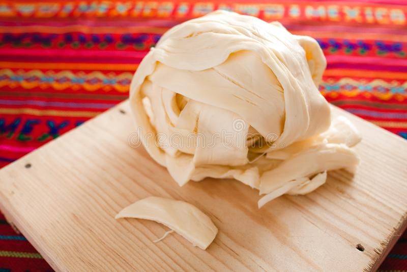 Oaxaca-Käse, quesillo, Quesadillalebensmittel von Mexiko lizenzfreie stockfotografie