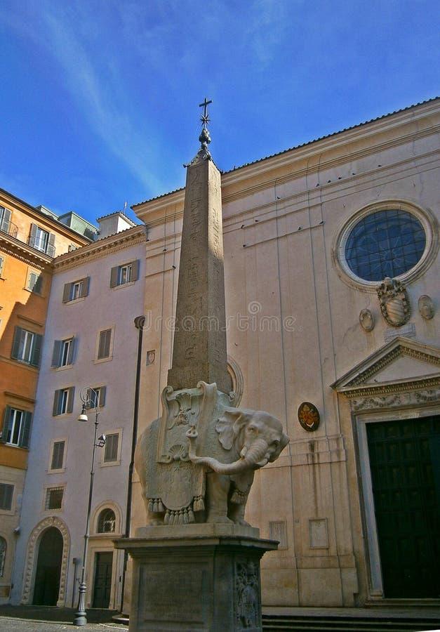 Obélisque du della Minerva de Piazza photos stock