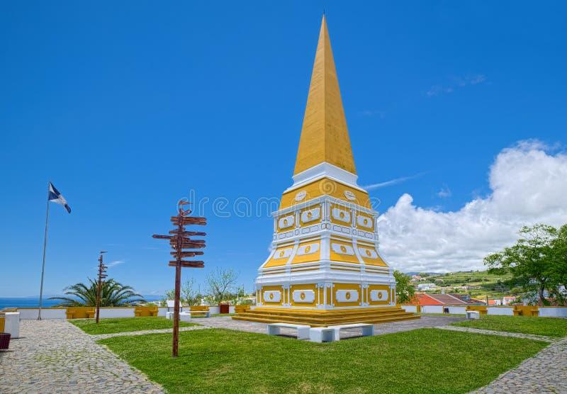 Obélisque en Alto da Memoria, Angra, Terceira, Açores photos libres de droits