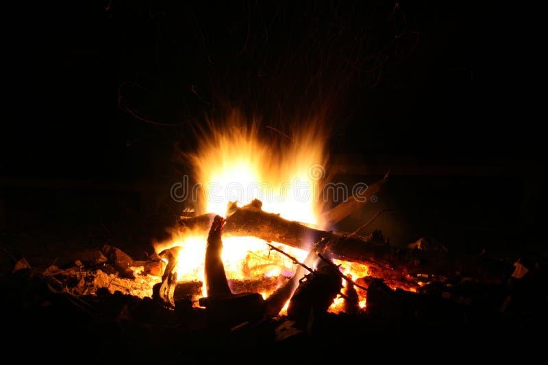 obóz ogień zdjęcia royalty free