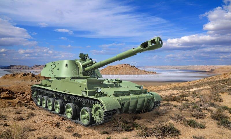 Obús automotor ruso divisional en paisaje del desierto fotografía de archivo libre de regalías