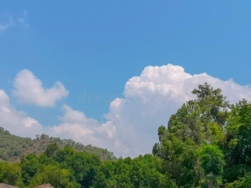 Obłoczny cumulus od wysokości samolotowy lot atmosfery pogoda obraz royalty free