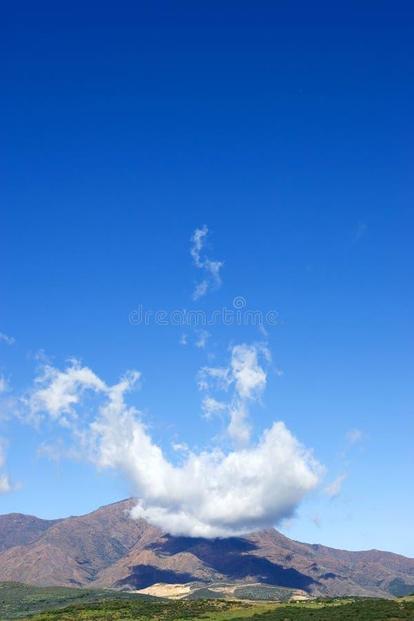 obłocznych formacj wielka góra nad unikalnym dziwne fotografia royalty free