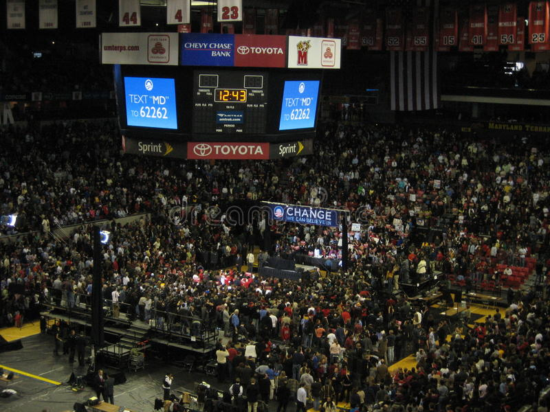 Obama compaign samlar på universitetet av Maryland 2008 royaltyfri foto