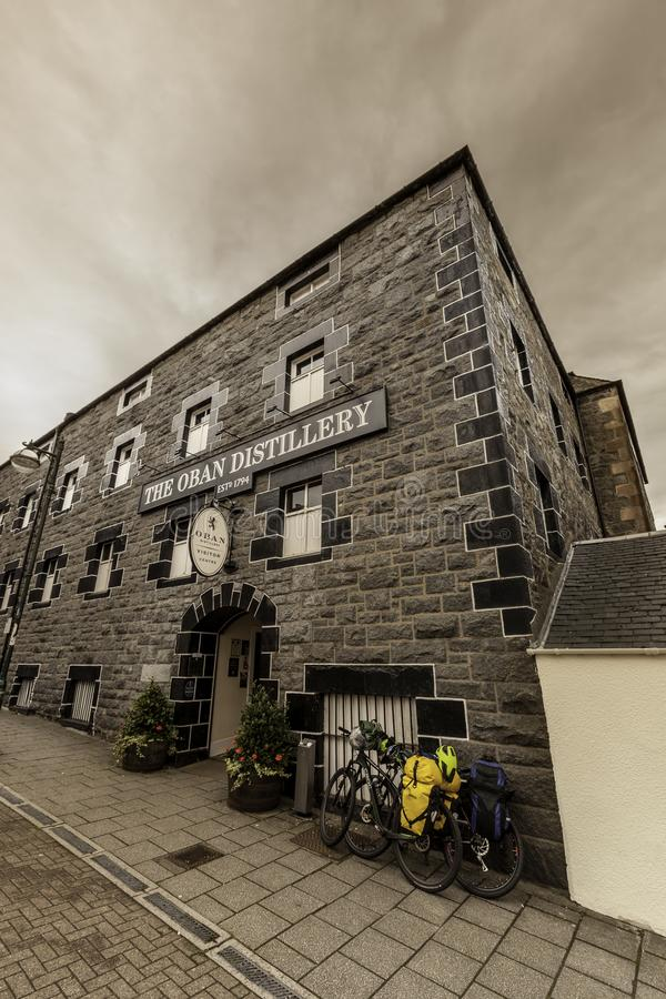 Oban kväv spritfabriken i Skottland arkivfoto