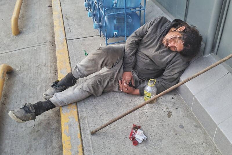 Obdachloser mexikanischer Mann stockbilder