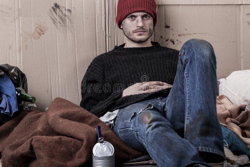 Obdachloser, schmutziger Mann lizenzfreie stockbilder
