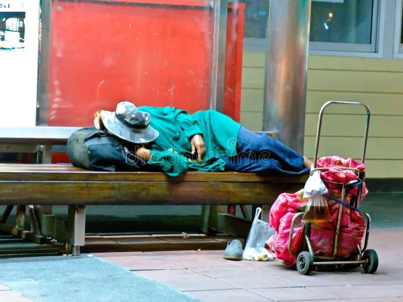 Obdachloser in Thailand stockfotografie