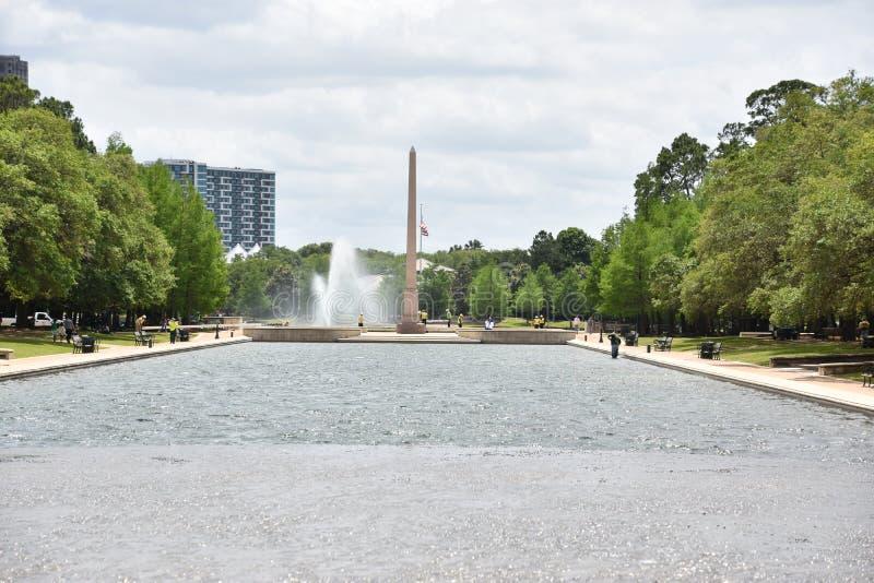 Obelisco conmemorativo pionero en Hermann Park en Houston, Tejas fotos de archivo
