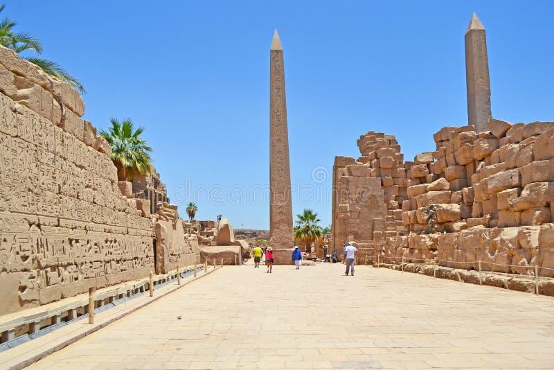 Obeliscos egípcios antigos no templo de Karnak imagem de stock royalty free