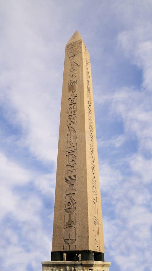 Obelisk antigo de Egipto imagens de stock