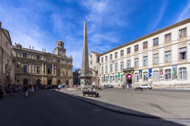 Obelisk in Arles, Frankrijk royalty-vrije stock fotografie