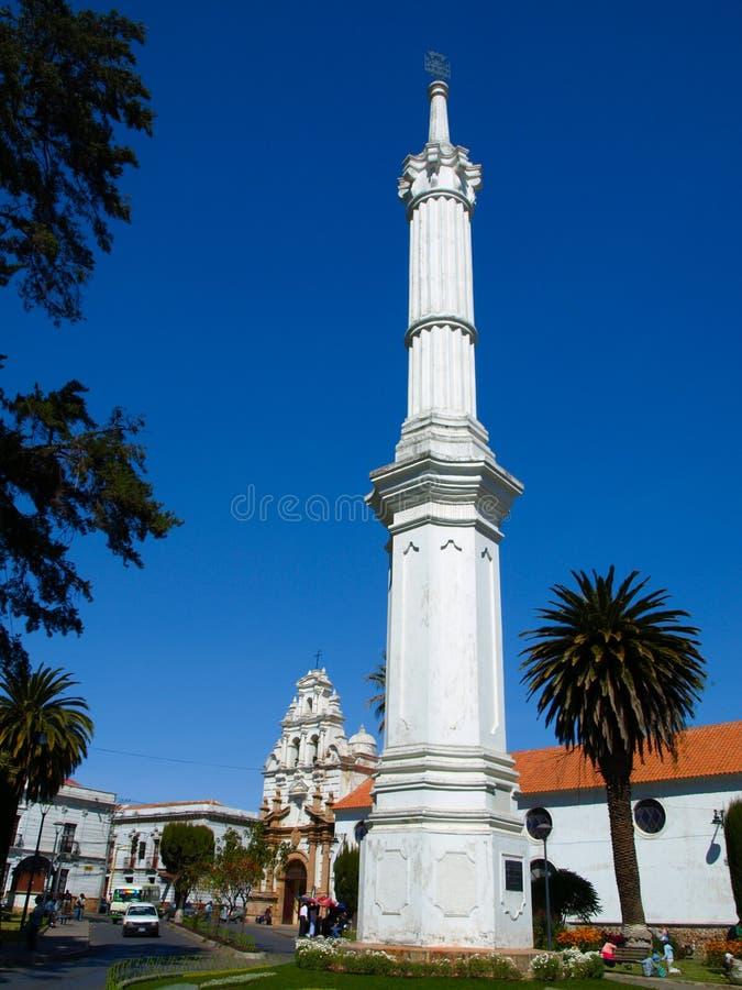 Obelisk av frihet i bolivianen Sucre arkivbilder