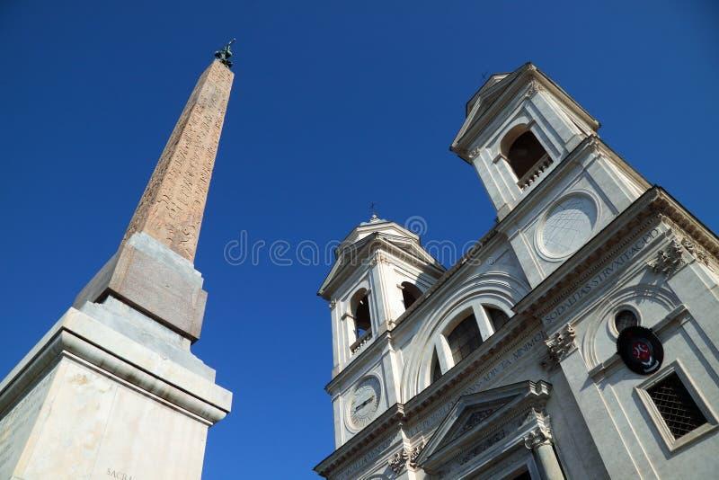 Obelisk egiziano in Piazza di Spagna fotografia stock