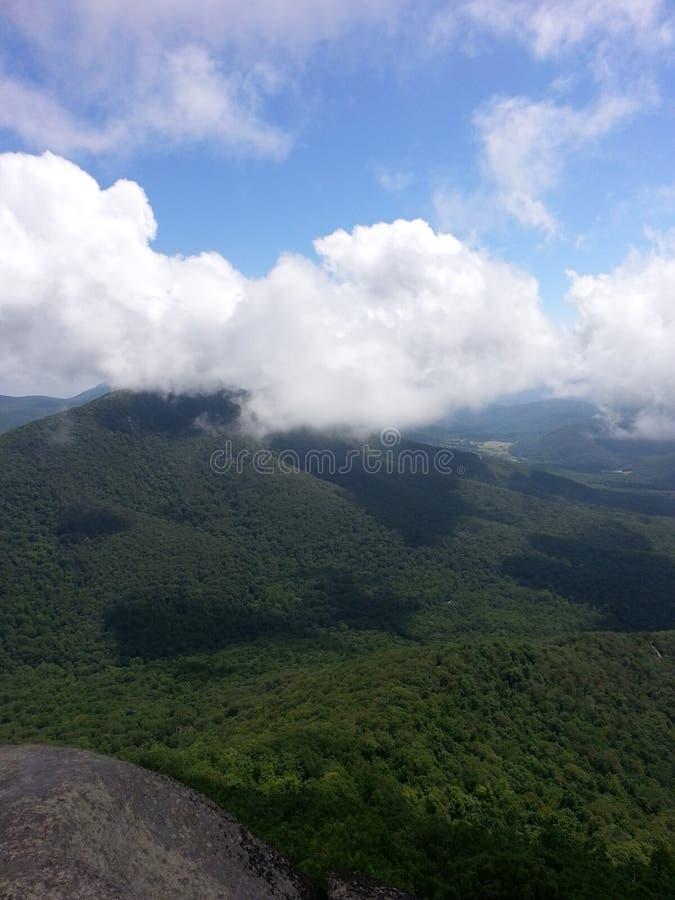 Oben auf den Berg stockfotografie