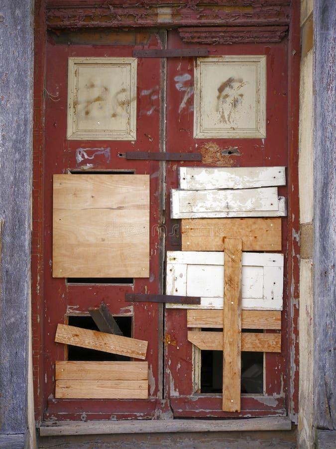 oben Tür-geblockt und genagelt lizenzfreies stockbild