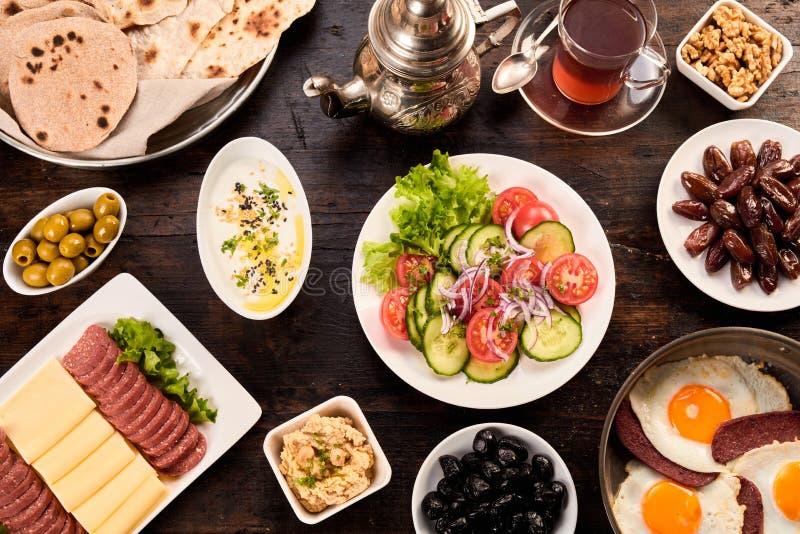 Obenliegende Ansicht von Orient-Frühstück stockfoto