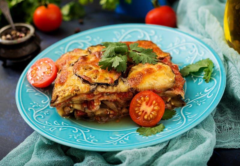 Oberżyny Parmigiano - tradycyjny Włoski naczynie fotografia stock