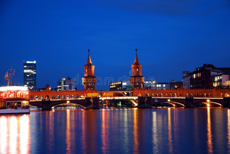 oberbaumbruecke моста berlin стоковая фотография rf