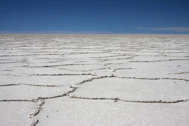 Oberfläche des Salar de Uyuni lizenzfreies stockbild