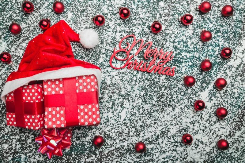 Oberleder, Spitze, Ansicht von oben genanntem von, von den immergrünen roten Spielwaren, von den Weihnachtsgeschenken und von San stockbilder