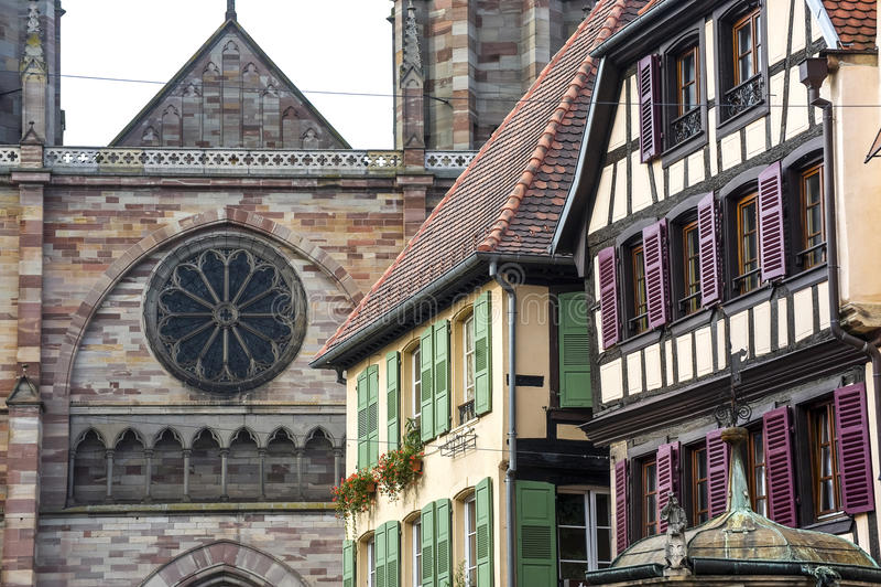Obernai (阿尔萨斯) -之家和教会 免版税库存图片