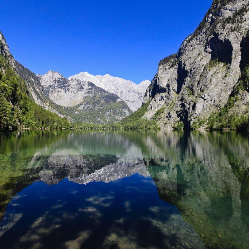 Obersee an berchtesgaden lizenzfreie stockbilder