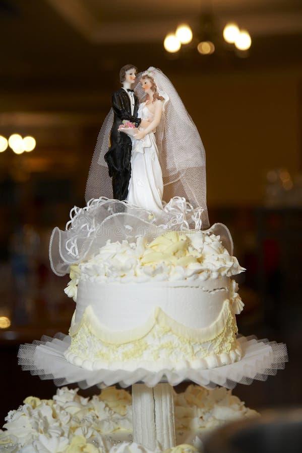 Spitze des Kuchens an der Hochzeit stockbild