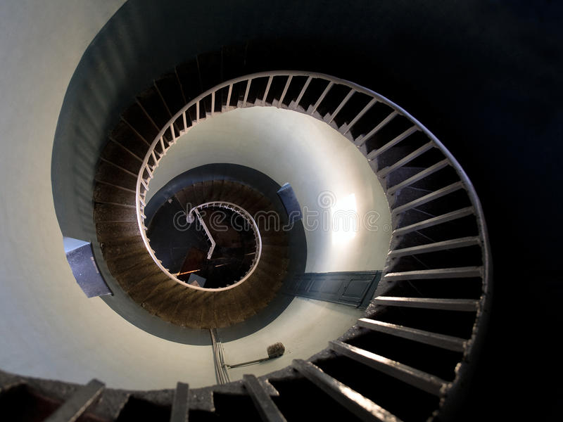 Oberseitenansicht in die Spirale eines Leuchtturmes stockfoto