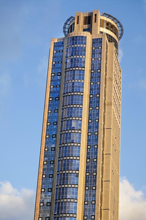 Wolkenkratzer-Spitze lizenzfreies stockfoto