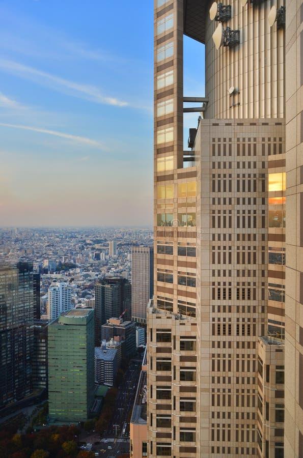 Obervatório metropolitano da construção do governo do Tóquio fotografia de stock