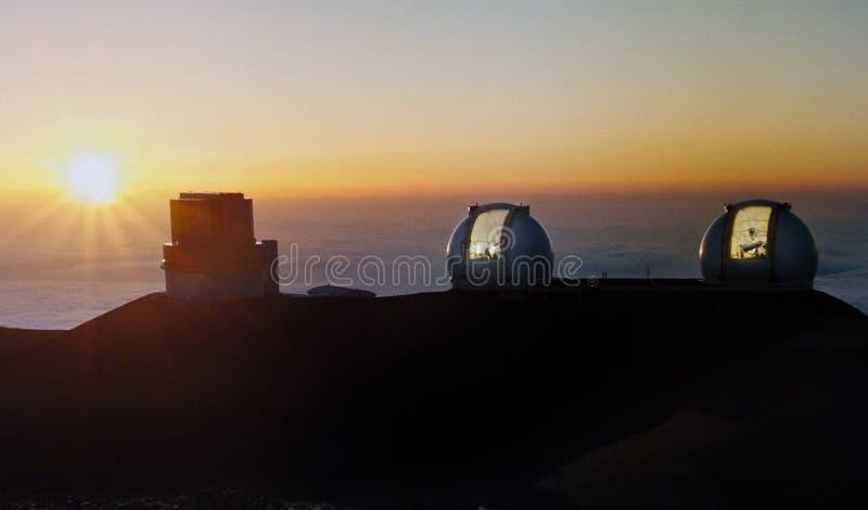 Obervatórios em Mauna Kea na ilha grande fotos de stock