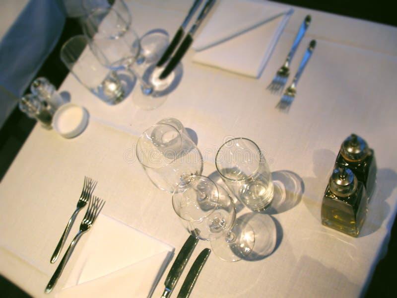 Download Obiad dwa obraz stock. Obraz złożonej z tablecloth, stół - 28697