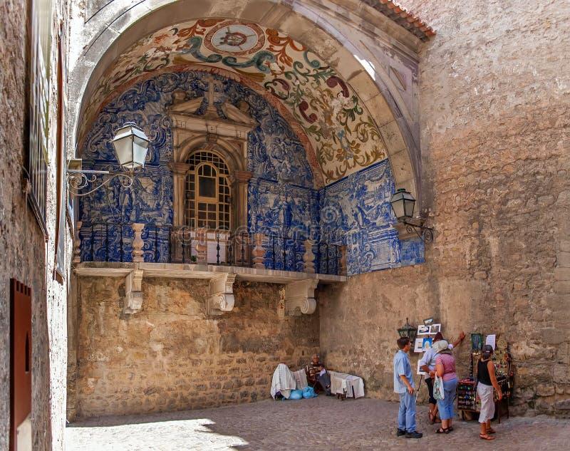 obidos Португалия Средневековый строб городка вызвал Porta da Vila стоковые фотографии rf