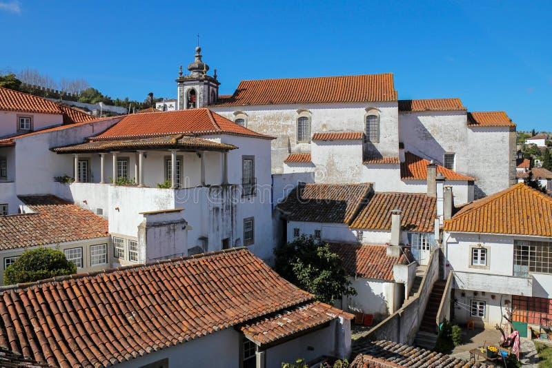 Obidos- mycket populär turist- destination i Portugal royaltyfri foto