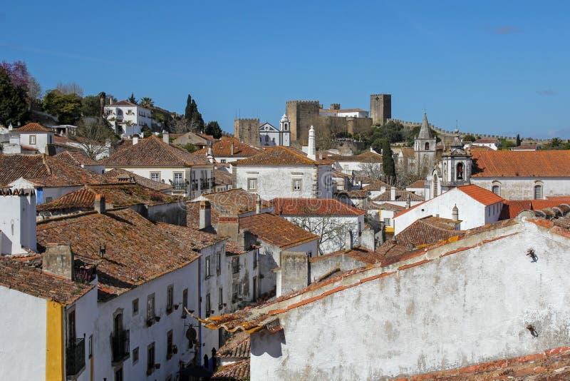 Obidos- mycket populär turist- destination i Portugal royaltyfria bilder