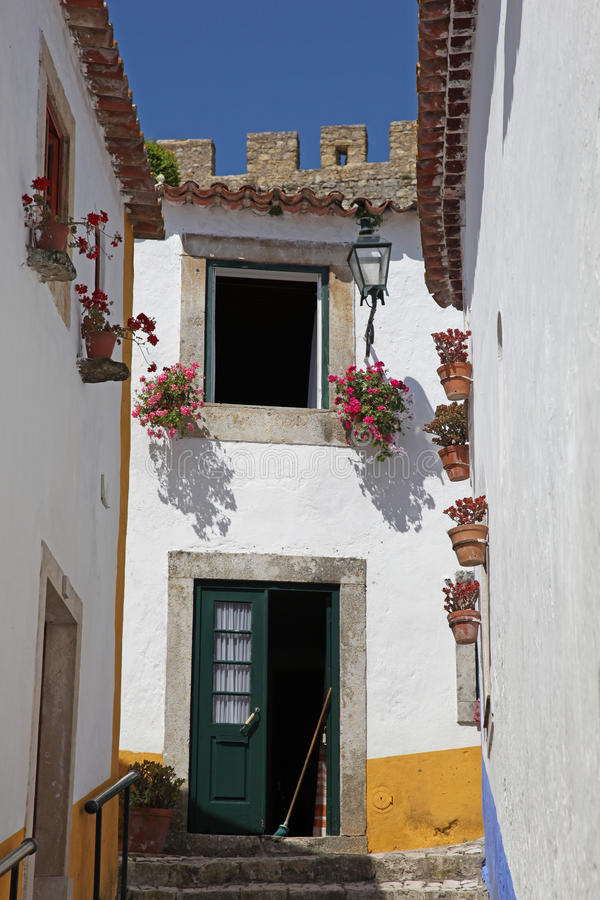 Download Obidos Street Scene Royalty Free Stock Images - Image: 20917959