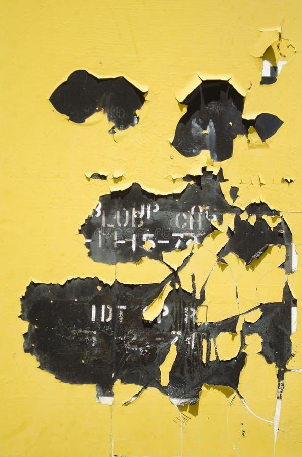 Obieranie żółta farba fotografia royalty free