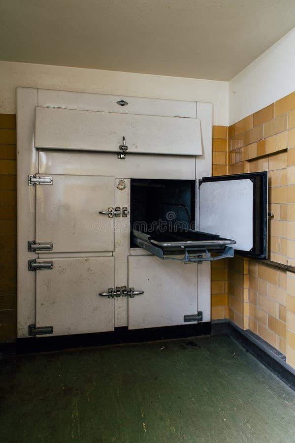 Obitorio - scuola statale abbandonata di Laurelton fotografia stock libera da diritti