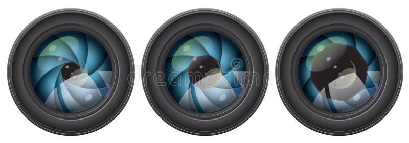 Objectif de caméra avec des ouvertures de volet illustration stock