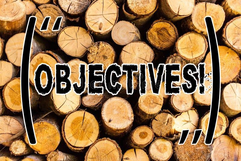 Objectifs des textes d'écriture Concept signifiant des buts prévus pour être bois en bois désiré réalisé de cru de fond de cibles photo libre de droits