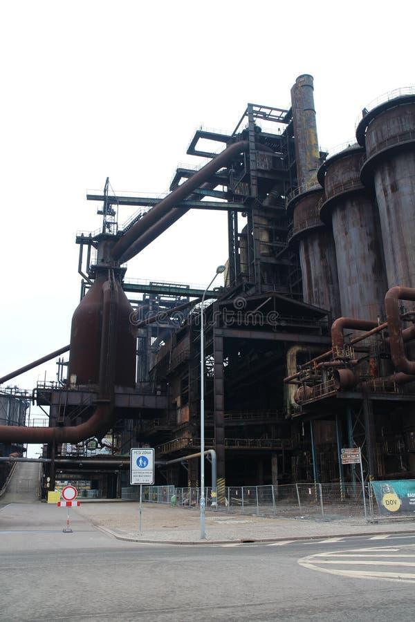 Objekt av foremerjärn- och stålarbeten i VÃtkovice, Ostrava royaltyfri foto