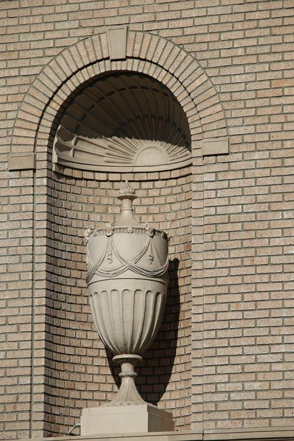 Objekt i en tegelstenvägg royaltyfria foton