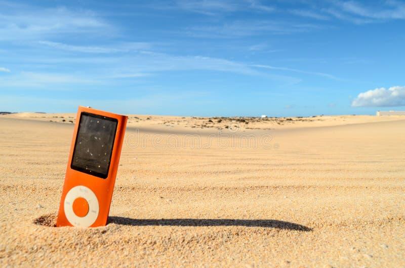 Objet dans le désert sec photo stock
