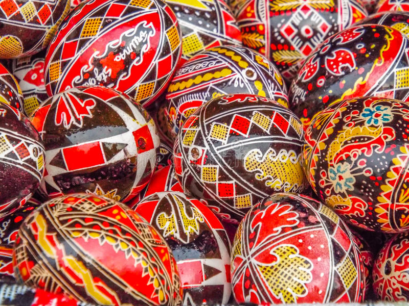 Objet roumain fabriqué à la main à l'automne traditionnel juste photos stock